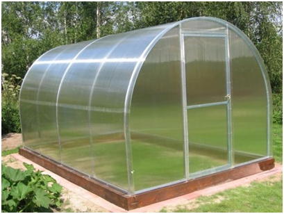 greenhouse made of cellular polycarbonate